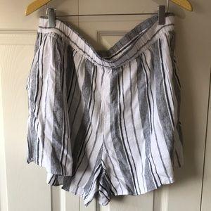 GAP pull on stripe linen blend shorts